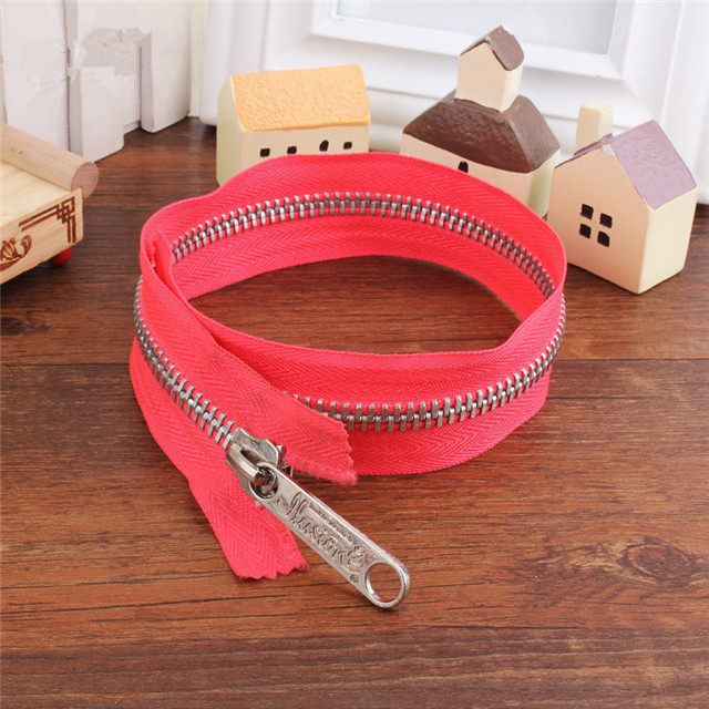 Professional Production Pink Nylon Code Zipper Manufacturers Wholesale New Fashion Zipper Volume Concessions