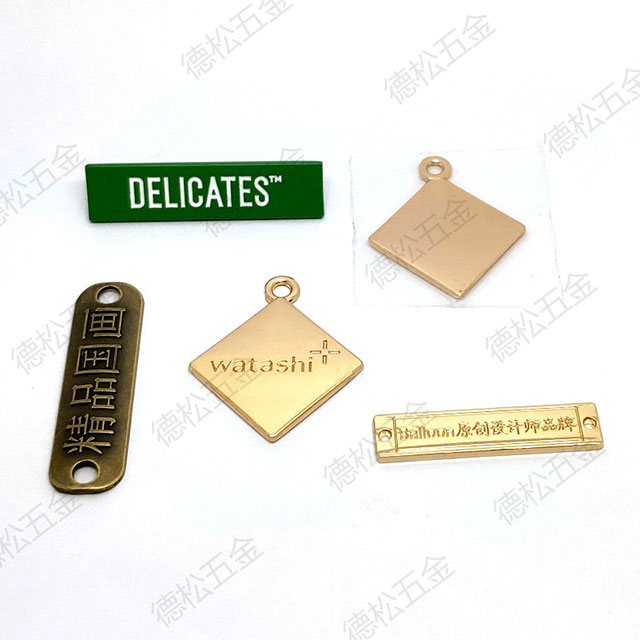 Professional Label Supplier Durable Custom Garment Metal Alloy Label Tag For Clothing